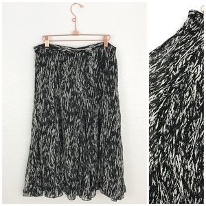 Coldwater Creek Black White Flowy Patterned Skirt